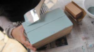 ものづくりを体験♪作った木工作品に色を塗ろう!